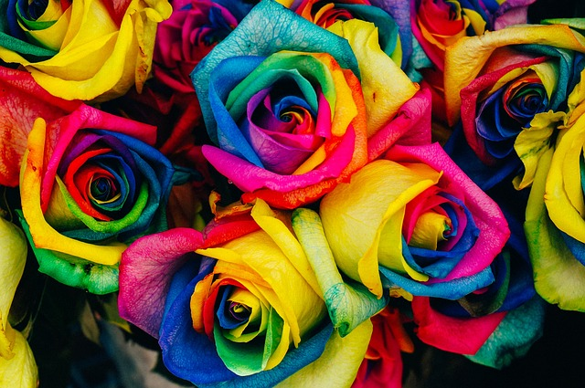 Perché i fiori di seta rimangono un'opzione popolare nelle composizioni floreali per ufficio