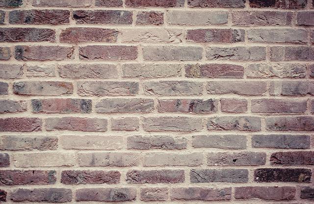 Pareti mobili: motivi per installarle e confronto con il muro a secco