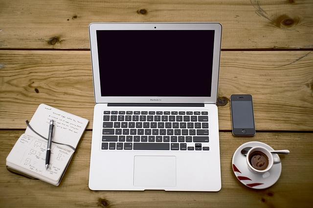 Cosa devi sapere prima di acquistare workstation da ufficio