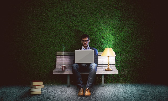 Crea un ambiente di lavoro piacevole con le opzioni di illuminazion