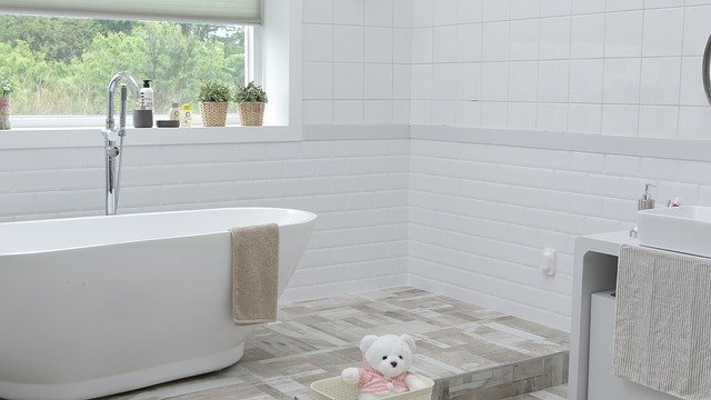 Come rendere un piccolo bagno più grande