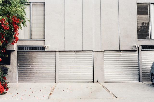 Suggerimenti per la manutenzione del vialetto di cemento